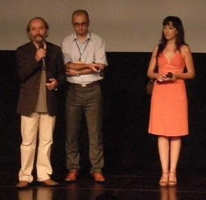 左から1番目:レイス・チェリッキ監督 3番目:デルヤ・ドゥルマズ