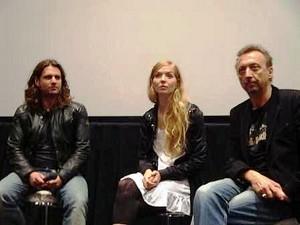 左:アダム・ボウスドウコス 中央:フェリーヌ・ロッガン