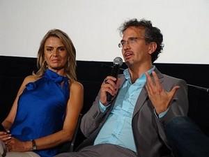 左:ニノン・デル・カスティーヨさん、右: フアン・カルロス・ヴァルディヴィア監督