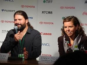 左: セバスチャン・コルデロ監督 右: グアダルペ・パラグラアーさん