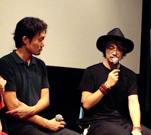 左:福永壮志監督、右:斎藤工さん