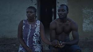 『リベリアの白い血』場面8