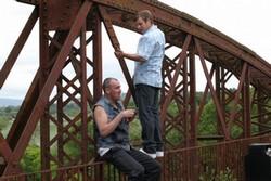 『橋の上の靴』