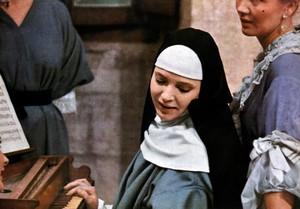 『修道女』