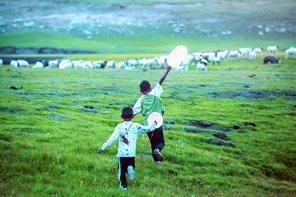 『羊飼いと風船』場面画像1